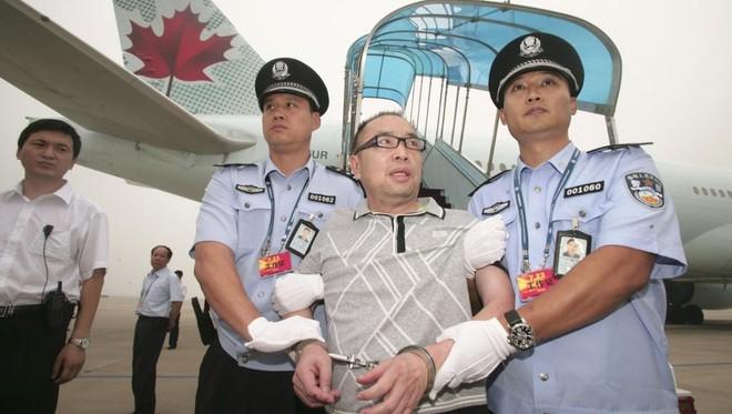 Lai Changting bị truy nã vì buôn lậu, hối lộ, bị dẫn độ từ Canada về Bắc Kinh