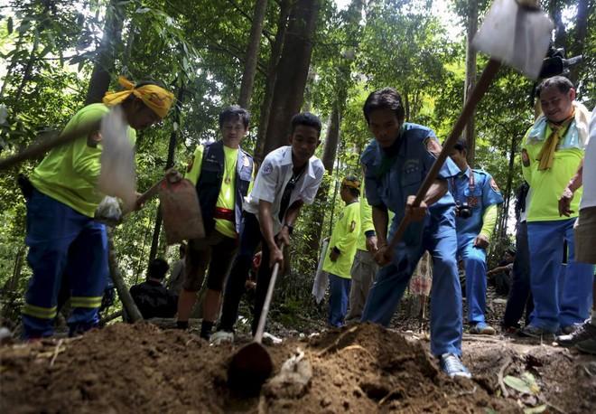 Một ngôi mộ tập thể được phát hiện ở tỉnh Songkhla, miền Nam Thái Lan
