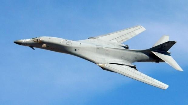 Máy bay ném bom siêu âm B-1 của Mỹ