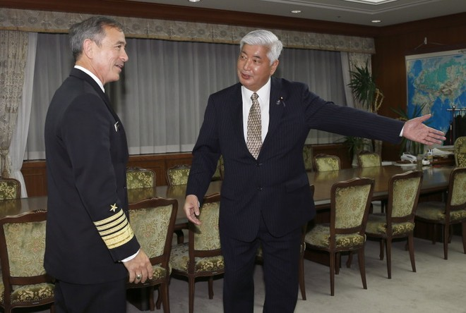Đô đốc Harry Harris gặp Bộ trưởng Quốc phòng Nhật Bản Gen Nakatani hôm 17-2