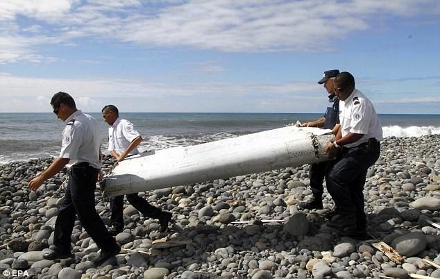 Một mảnh vỡ được tìm thấy trên đảo Reunion