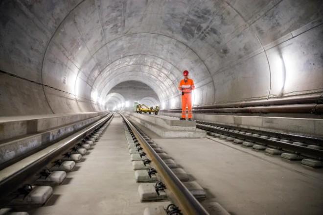 Đường hầm này dài tới 57km