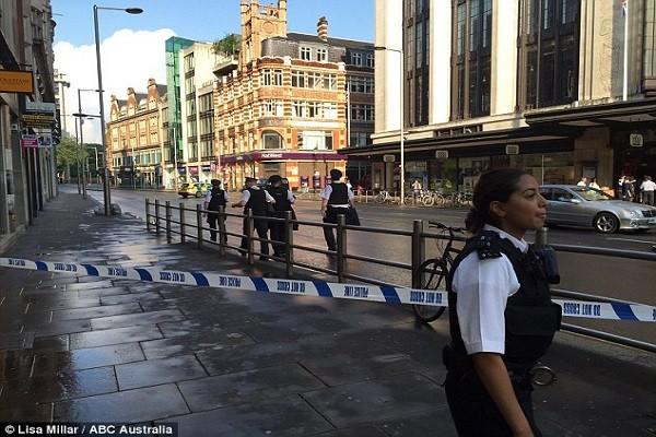 Cảnh sát phong tỏa hiện trường vụ việc