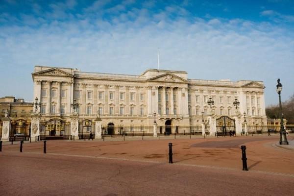 Quang cảnh Cung điện Buckingham