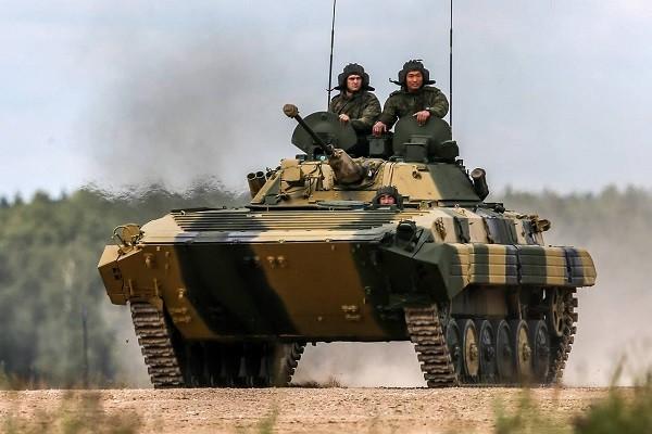 Quân nhân Nga tham gia một cuộc tập trận
