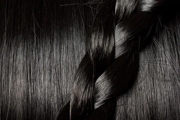 Dubai không chấp nhận dịch vụ nuôi chấy trong tóc