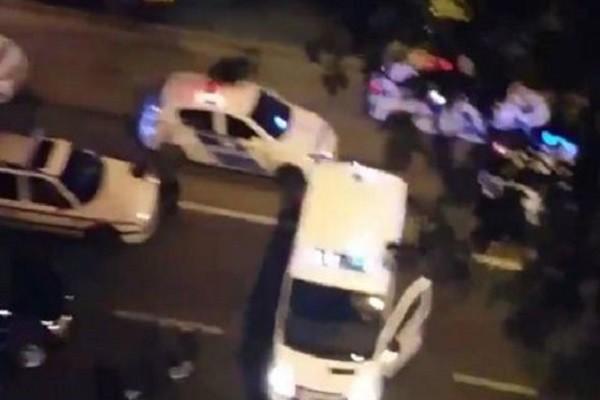 Hàng chục xe cảnh sát có mặt tại hiện trường vụ nổ