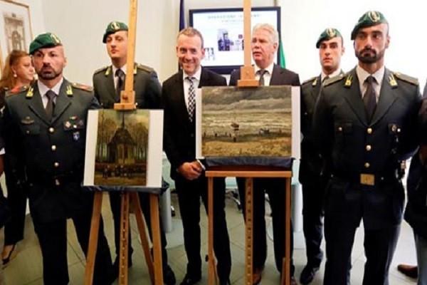 Hai bức tranh được tìm thấy sau 14 năm bị đánh cắp