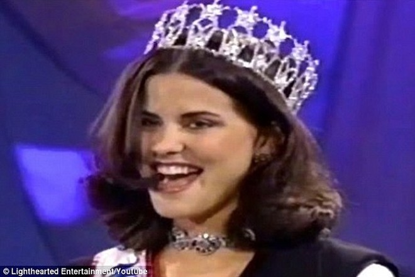 Lu Parker đăng quang Hoa hậu Mỹ năm 1994