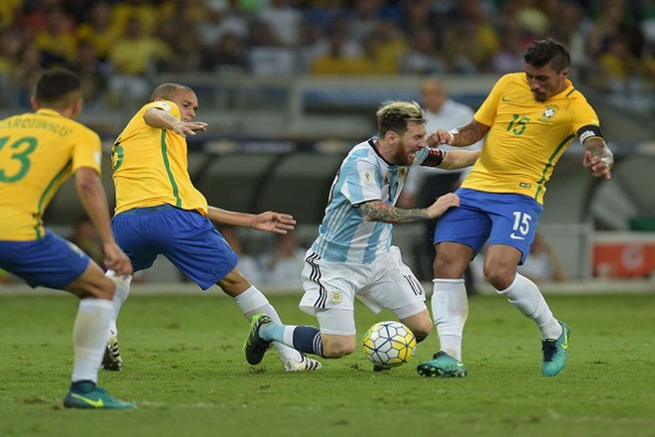 Messi trong trận gặp đội tuyển Brazil cách đây vài tuần