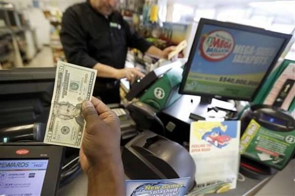 Một người đàn ông mua xổ số ở New Jersey