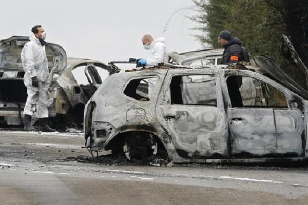 Cảnh sát điều tra hiện trường vụ cướp gần Lyon