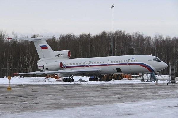 Máy bay Tu-154 đỗ trên đường băng sân bay quân sự Chkalovsky, phía bắc Matxcơva