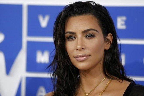 Ngôi sao truyền hình thực tế người Mỹ Kim Kardashian