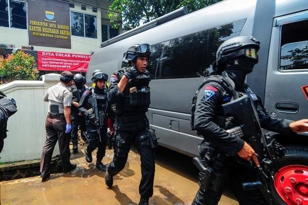 Cảnh sát được triển khai sau vụ nổ