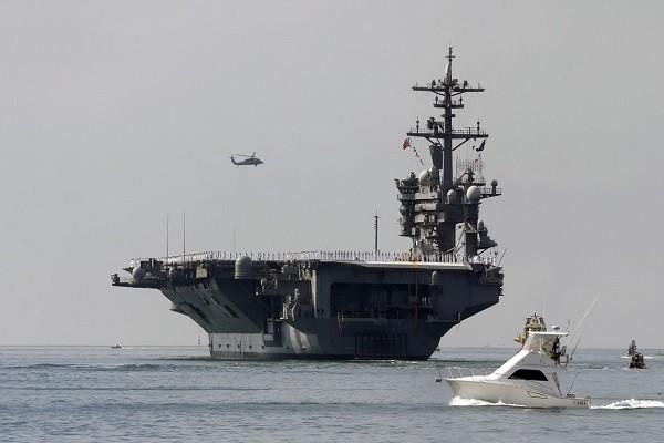 Tàu sân bay USS Carl Vinson của Hải quân Mỹ