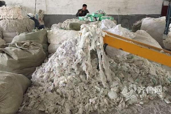 Quang cảnh bên trong xưởng sản xuất bỉm