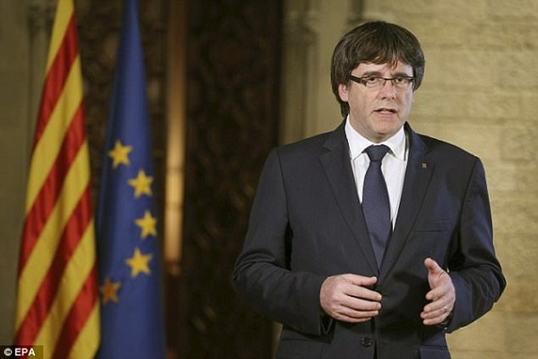 Thủ hiến vùng Catalonia Carles Puigdemont