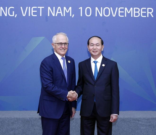 Chủ tịch nước Trần Đại Quang đón Thủ tướng Australia Malcolm Turnbull