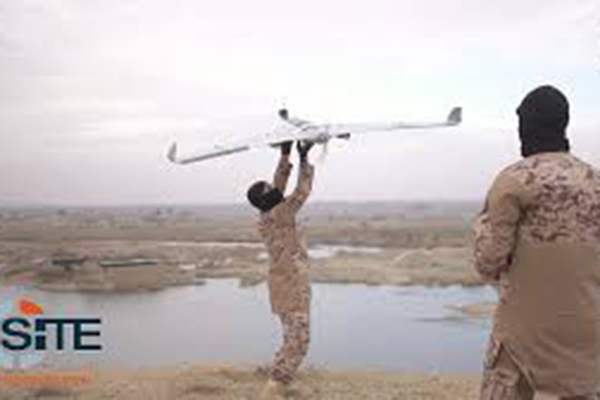 Một chiếc UAV của IS được phóng đi