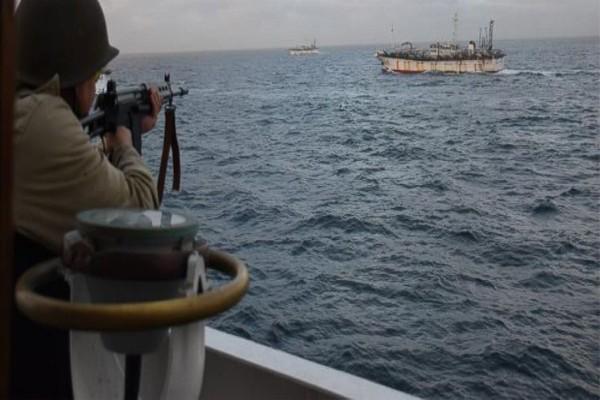 Lính Argentina nổ súng về phía tàu cá Jing Yuan 626