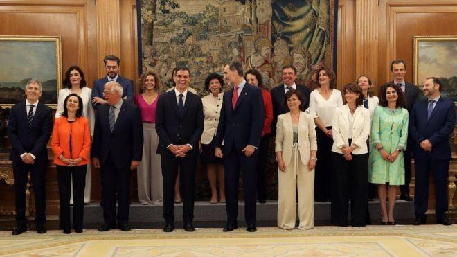 Chính phủ mới của Thủ tướng Pedro Sanchez có 11 nữ bộ trưởng