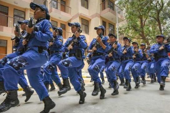 Đội đặc nhiệm SWAT toàn nữ đầu tiên gồm 36 thành viên