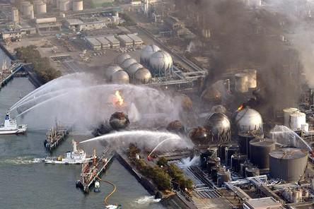 Khắc phục sự cố tại nhà máy điện hạt nhân Fukushima hồi tháng 3-2011