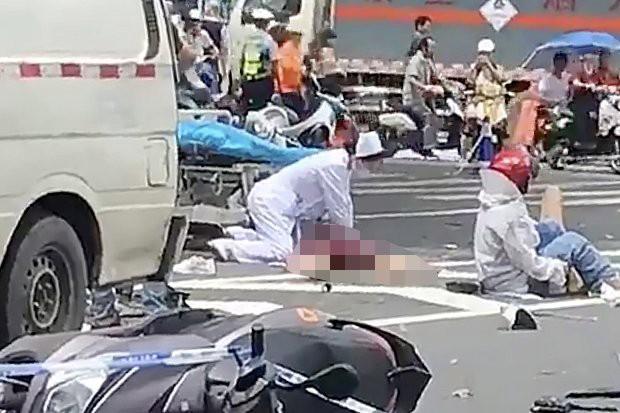Hiện trường vụ đâm xe ở Nam Ninh