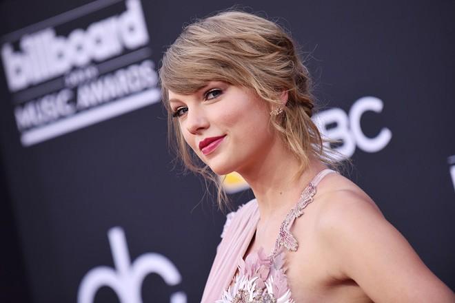 Ngôi sao nhạc pop Taylor Swift