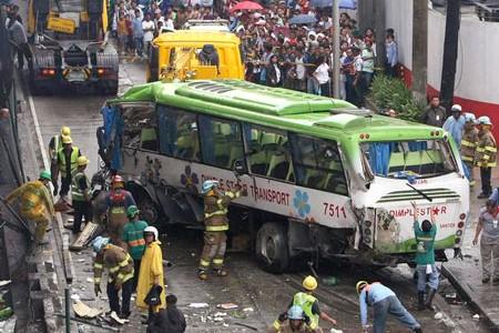Hiện trường một vụ tai nạn giao thông ở Philippines