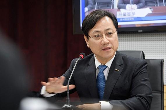 Ông Oh Young-sik, Chủ tịch Tổng Công ty đường sắt Hàn Quốc (Korail)