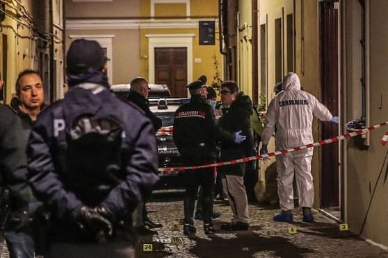 Cảnh sát phong tỏa hiện trường vụ bắn chết Marcello Bruzzese
