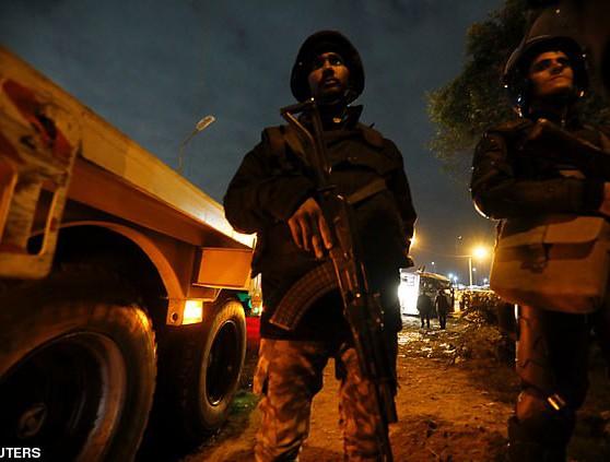 Cảnh sát phong tỏa hiện trường vụ đánh bom tại Ai Cập