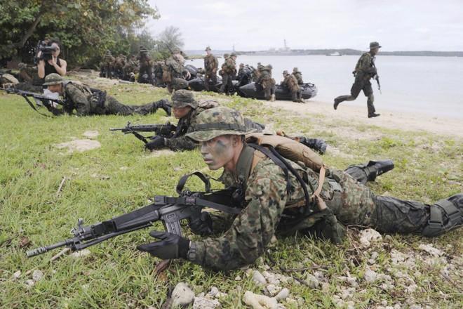 Binh sĩ Nhật tham gia một cuộc tập trận với Mỹ