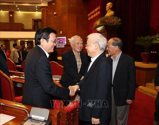 Tổng Bí thư, Chủ tịch nước Nguyễn Phú Trọng với các đồng chí lãnh đạo, nguyên lãnh đạo Đảng, Nhà nước