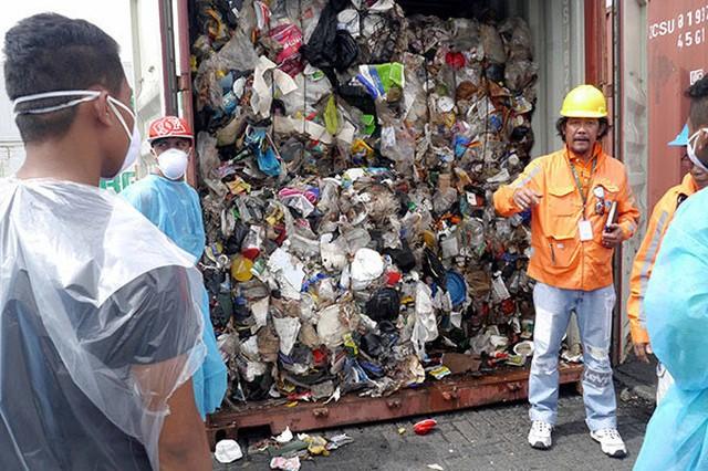 Quan hệ giữa Philippines và Canada trở nên căng thẳng vì vấn đề rác thải