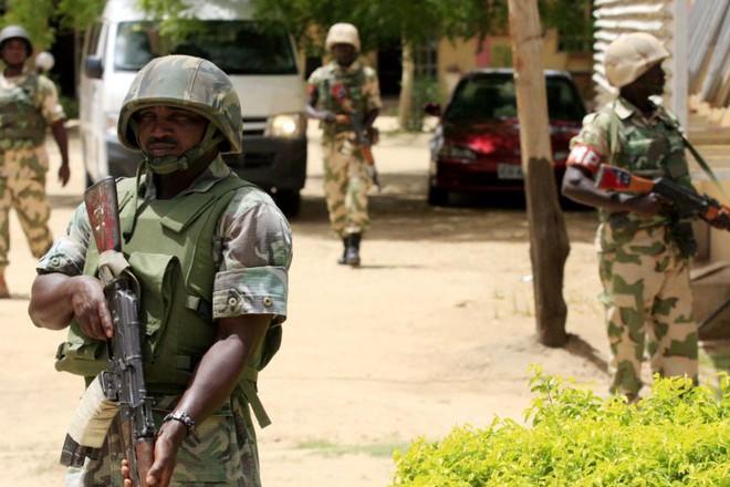 Binh sĩ quân đội Nigeria