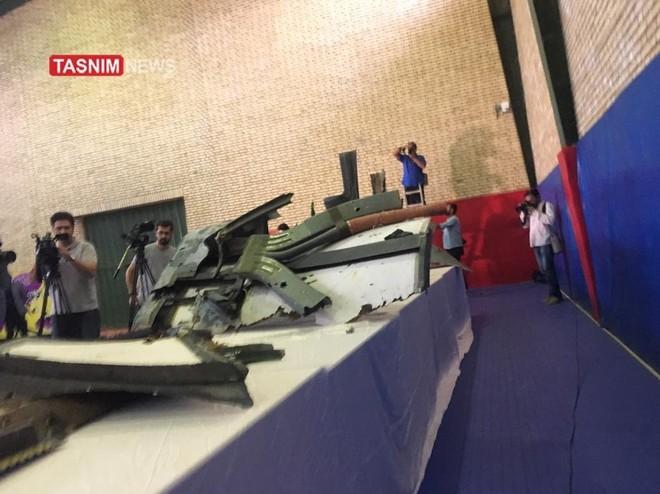 Iran công bố hình ảnh đầu tiên về mảnh vỡ máy bay do thám Mỹ bị bắn hạ