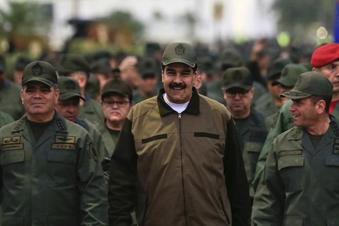 Tổng thống Venezuela Nicolas Maduro nhận được sự ủng hộ của quân đội nước này
