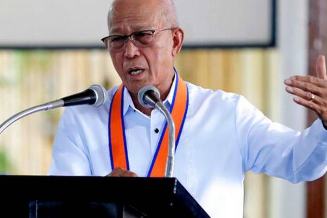 Bộ trưởng Quốc phòng Philippines Delfin Lorenzana