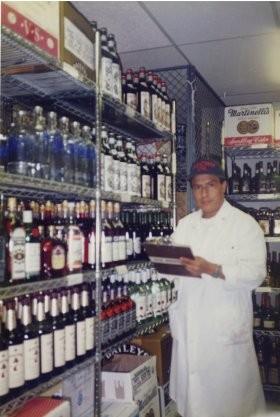 Luis Alfonso Chimbo tại nhà hàng Windows on the World ở New York năm 2000