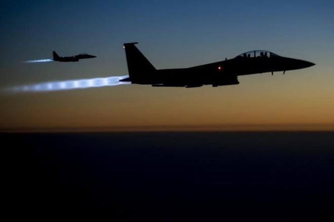 Hiện chưa rõ máy bay chiến đấu nào đã tấn công lực lượng Iran ở Syria