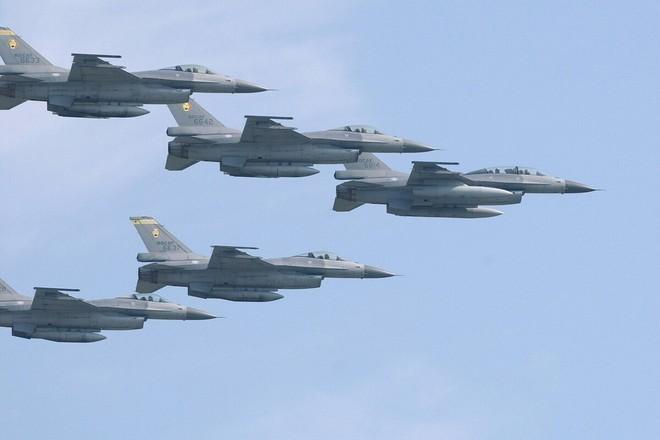 Phi đội máy bay chiến đấu F-16 của Đài Loan