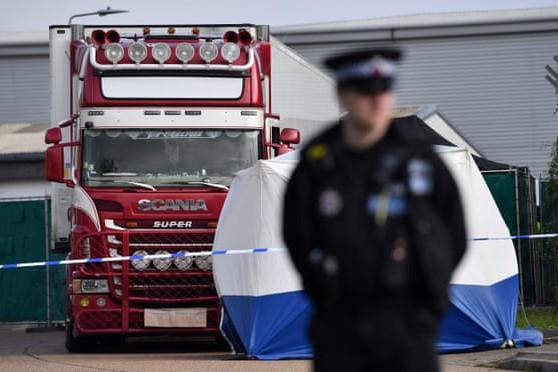 39 thi thể được tìm thấy trên chiếc xe tải đông lạnh ở hạt Essex, Anh