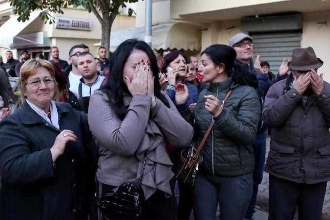 Người dân Albania đau buồn trước thảm kịch động đất hôm 26-11