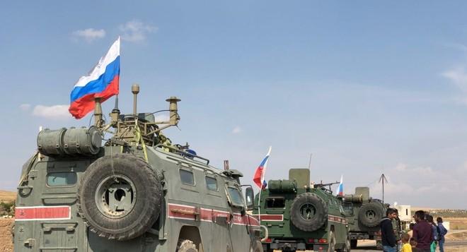 Đoàn xe của quân cảnh Nga ở thành phố Kobane, Syria