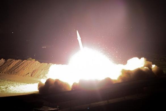Truyền thông Iran đăng ảnh tên lửa được phóng đi. Ảnh: Fars News