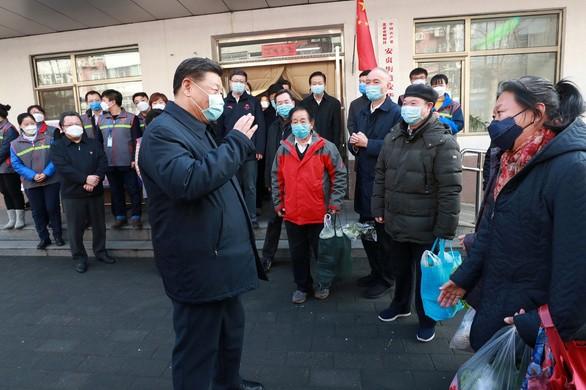 Ông Tập Cận Bình đến kiểm tra công tác phòng chống dịch bệnh tại quận Triều Dương, thành phố Bắc Kinh ngày 10-2