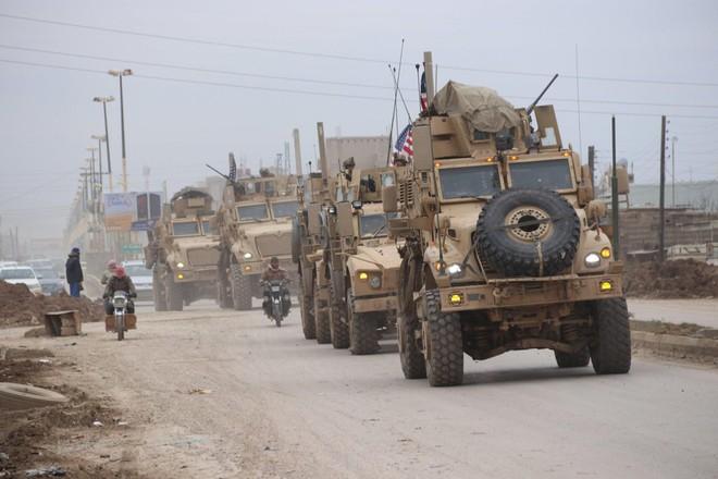Đoàn xe quân sự Mỹ tại Syria